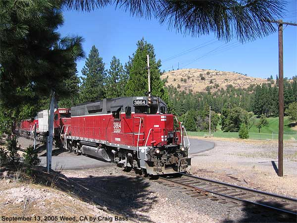 On November 31, 2005, I snapped this southbound train coming up the grade into Weed, California